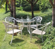 Cast Alu table set